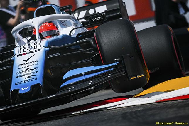 Роберт Кубица за рулём Williams FW42 на трассе в Монако