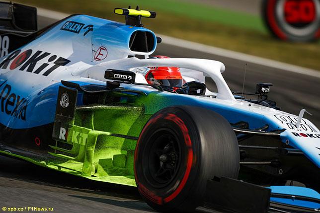 Роберт Кубица за рулём Williams FW42 на трассе в Хоккенхайме