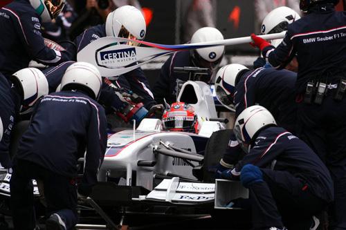 Испания. Барселона. Роберт Кубица за рулем BMW Sauber F1.09