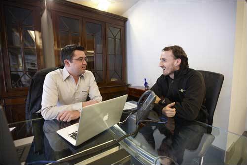 Роберт Кубица и Эрик Буйе, глава Renault F1
