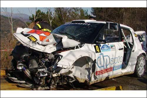 Разбитая машина Роберта Кубицы. Фото Il Vostro Giornale