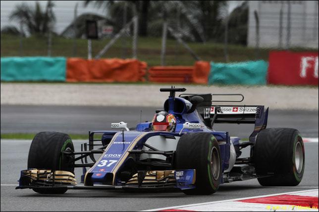 Шарль Леклер за рулем Sauber