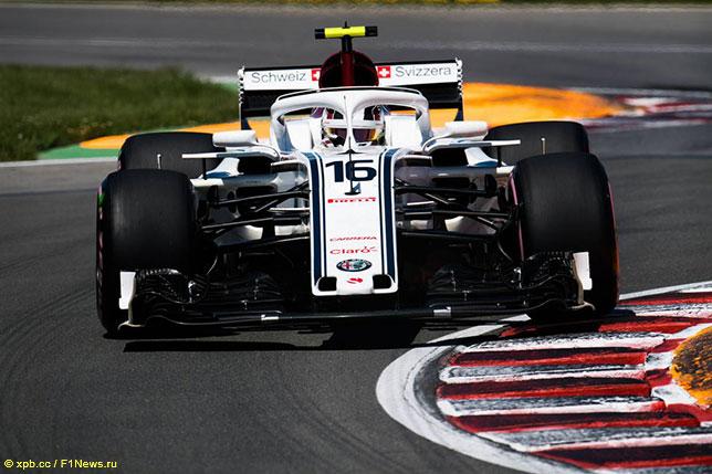 Шарль Леклер за рулём Sauber C37 на трассе Гран При Канады