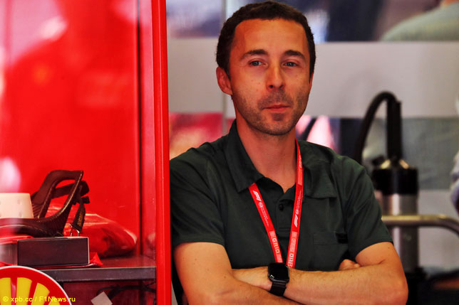 Николя Тодт в боксах Ferrari