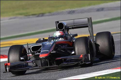 Витантонио Лиуцци за рулем HRT на предсезонных тестах