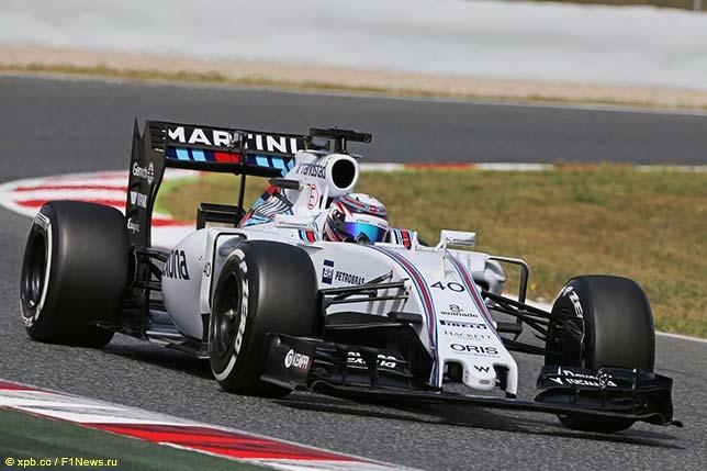 Алекс Линн на тестах в Барселоне за рулём Williams FW37