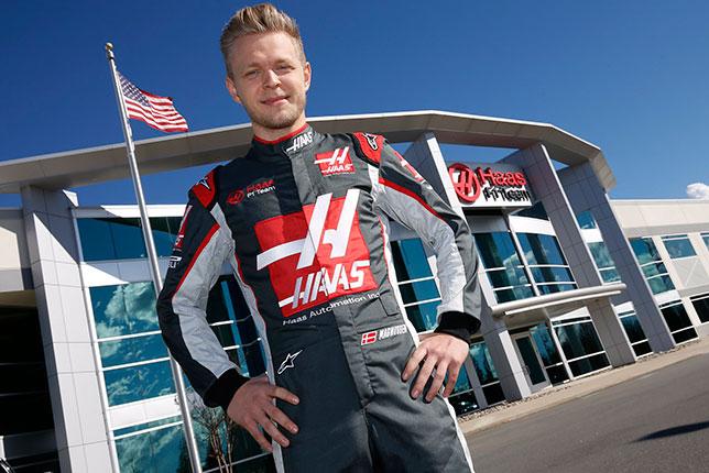 Кевин Магнуссен на базе Haas F1