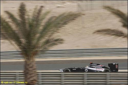 Пастор Мальдонадо на трассе Гран При Бахрейна