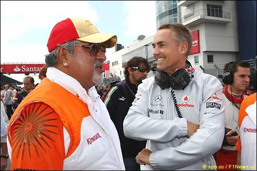 Виджей Малья (Force India) и Мартин Уитмарш (McLaren Mercedes)
