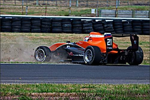 Артём Маркелов на трассе в Taupo Motorsport Park