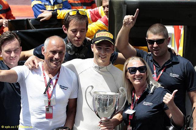 Артём Маркелов (в центре), победитель гонки GP2 в Монако