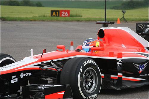 Тио Эллинас за рулем Marussia MR02