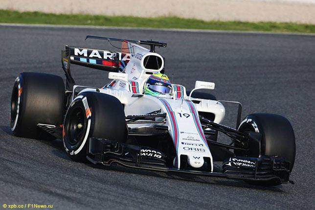 Фелипе Масса за рулём Williams FW40 на тестах в Барселоне