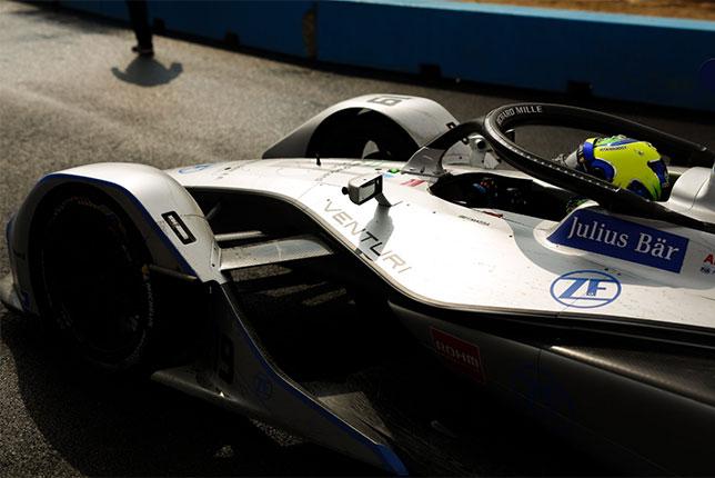 Фелипе Масса за рулём машины Venturi перед стартом гонки в Эр-Рияде