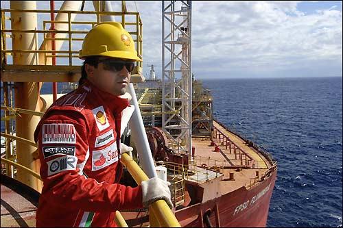 Фелипе Масса на нефтяной платформе Shell