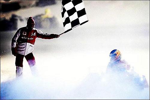 Фернандо Алонсо - победитель ледовой гонки на фестивале Wrooom