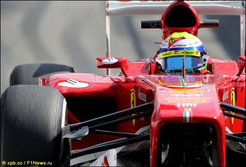 Фелипе Масса за рулем F138