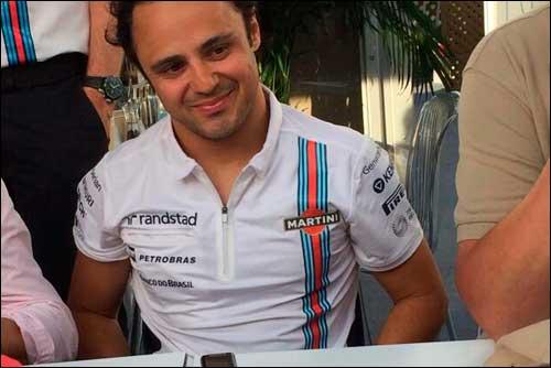 Фелипе Масса во время интервью в моторхоуме Williams после аварии