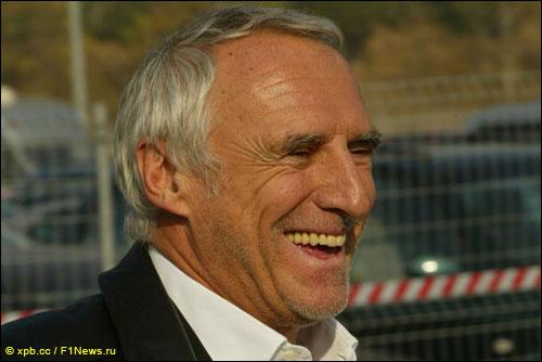 Осень 2004 года. Дитрих Матешиц только что купил команды Формулы 1...