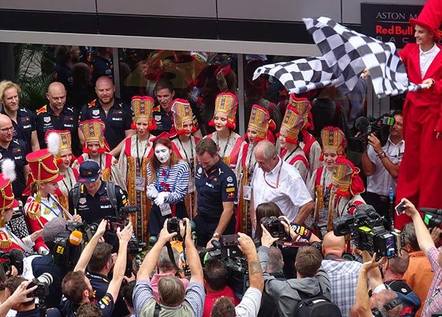 Это день рождения Макс Ферстаппен запомнит надолго, фото F1News.ru