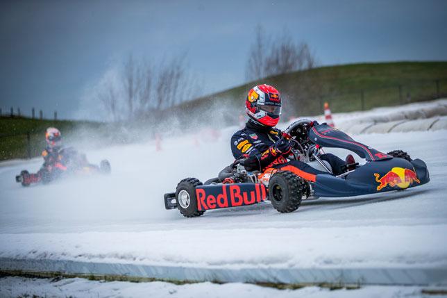 Пьер Гасли и Макс Ферстаппен в ледовой гонке
