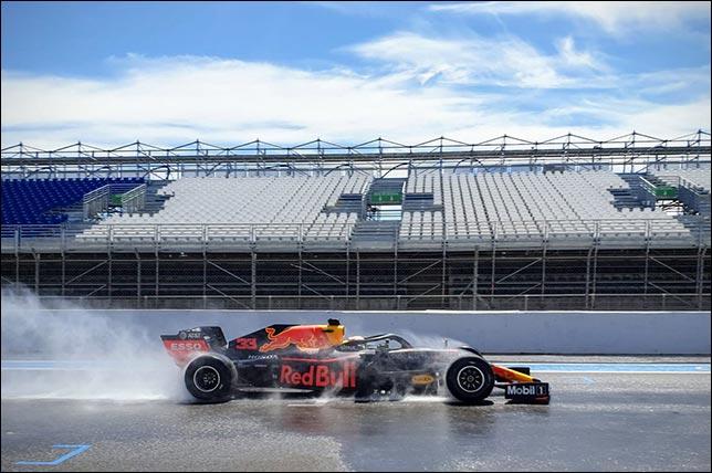 Макс Ферстаппен на тестах Pirelli