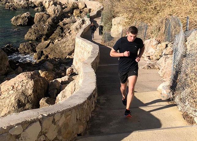Макс Ферстаппен активно тренируется, готовясь к новому сезону