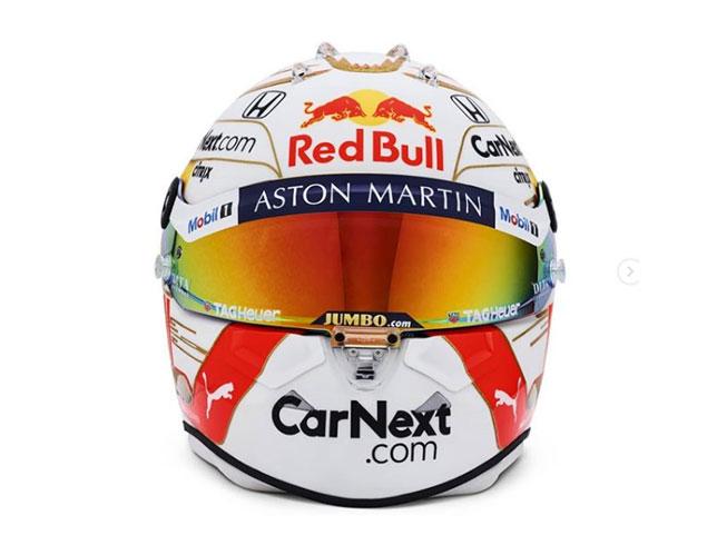 Шлем Макса Ферстаппена (фото из Instagram гонщика)