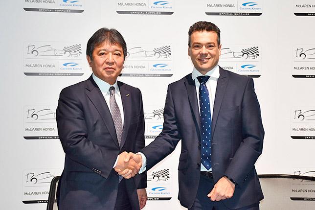 Руководитель Calsonic Kansei Хироши Мория и коммерческий директор McLaren Джон Купер