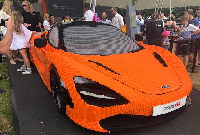 Собранный из конструктора Lego спорткар McLaren на Фестивале скорости в Гудвуде