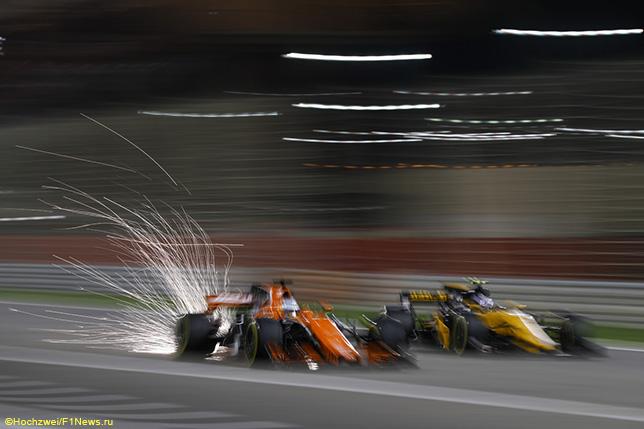 Машины McLaren и Renault