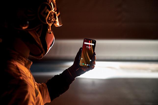 Европейская цена OnePlus 6T Мак Ларен Edition