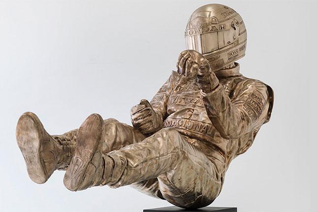 Памятник Айртону Сенне работы Пола Оза