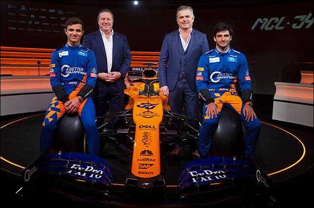 Гонщики и руководство McLaren на презентации новой машины