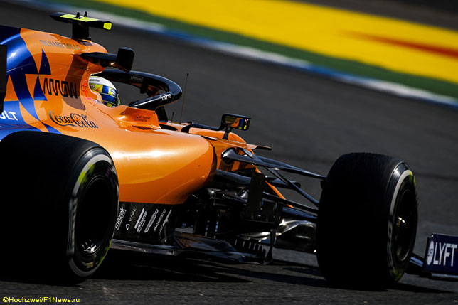 Ландо Норрис за рулём McLaren MCL34