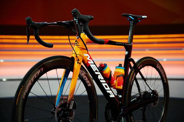 Велосипед Team Bahrain McLaren (фото пресс-службы велосипедной команды)