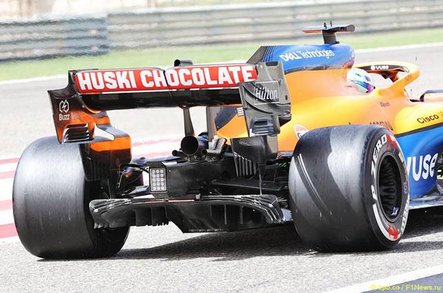 Диффузор McLaren с характерным центральным каналом