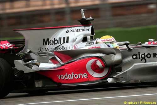 Вертикальное крыло на тестах McLaren