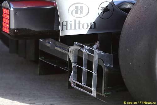 Контрольное устройство на McLaren MP4-24