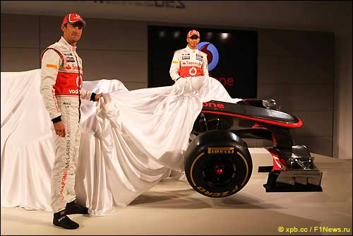 Презентация McLaren MP4-27