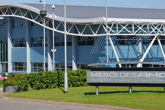 База компании Mercedes AMG High Performance Powertrains в Брэкли