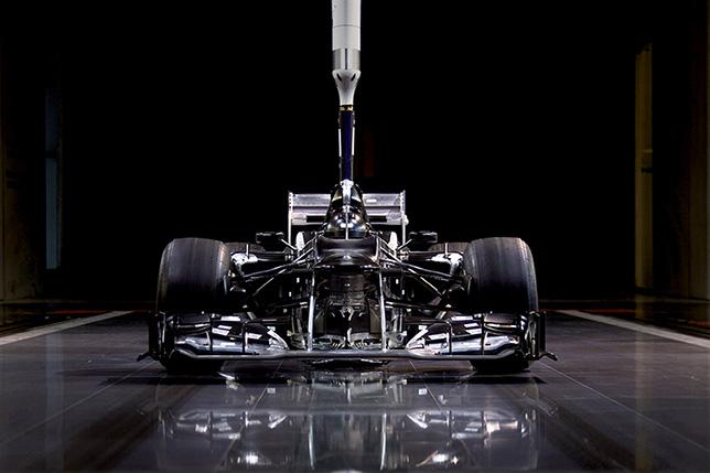 60%-ная модель в аэродинамической трубе Mercedes в Брэкли