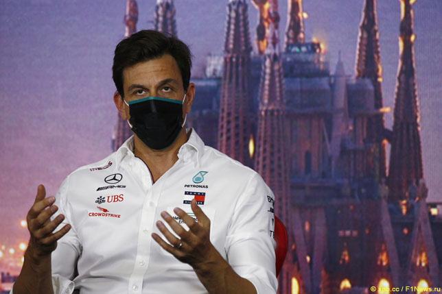 Руководитель команды Mercedes Тото Вольфф