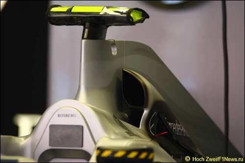 Новый моторный кожух на машине Нико Росберга