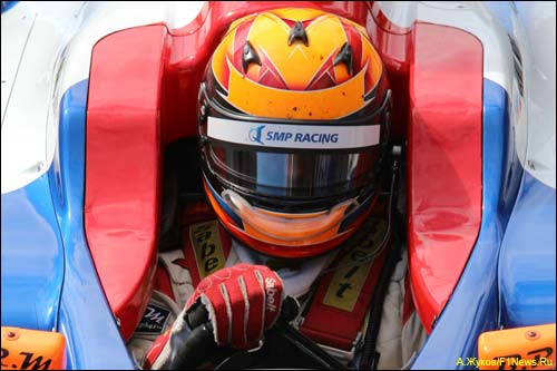 Даниил Мове в машине SMP Racing by Comtec