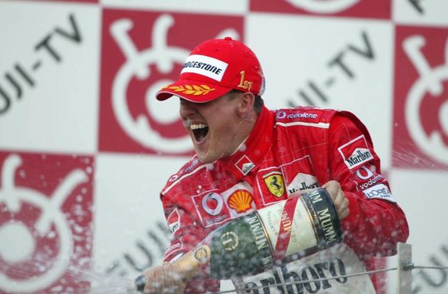 Михаэль Шумахер после победы в Гран При Японии 2004 года