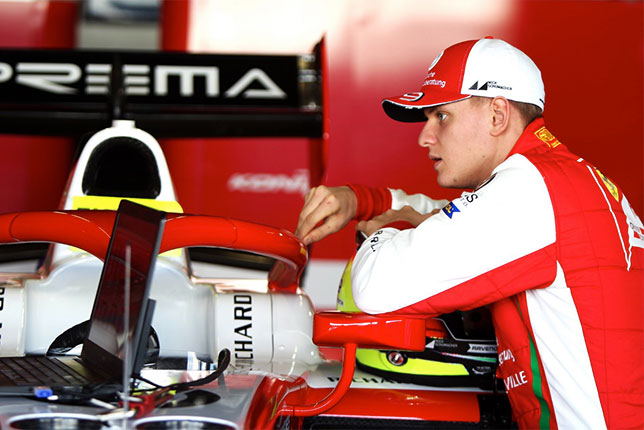 Мик Шумахер, фото из Twitter гонщика