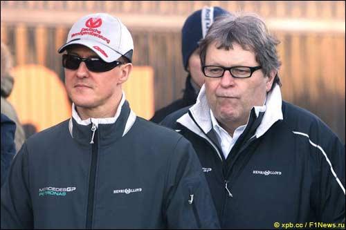 Норберт Хауг и Михаэль Шумахер на тестах в Хересе