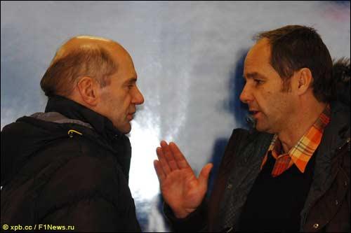 Герхард Бергер (справа) и Эдриан Ньюи