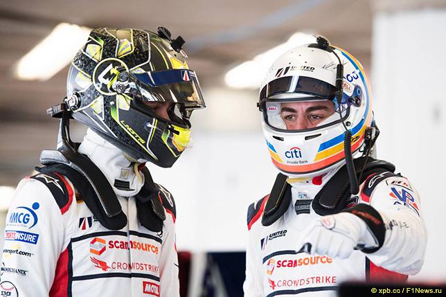 Ландо Норрис и Фернандо Алонсо на 24-часовой гонке в Дайтоне